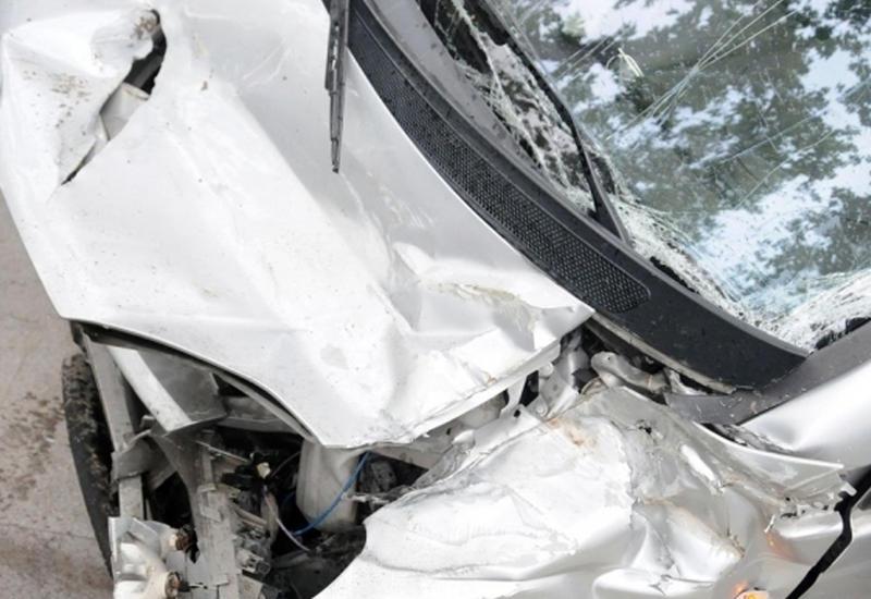 В Товузе перевернулся автомобиль, пострадали 4 члена одной семьи