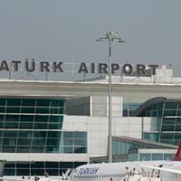 В аэропорту имени Ататюрка столкнулись два самолета