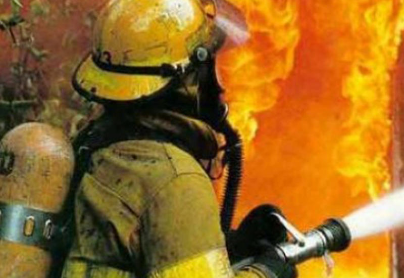 В Баку сгорели 7 магазинов