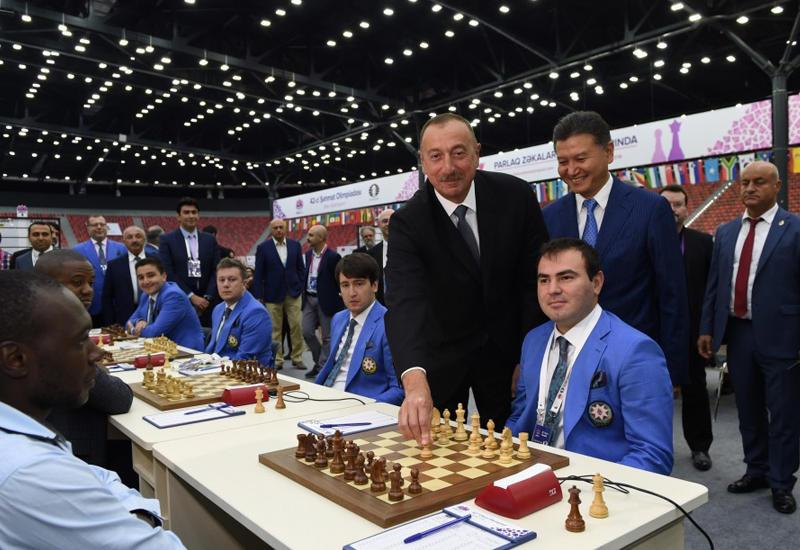 Президент Ильхам Алиев принял участие в церемонии старта первого тура 42-й Всемирной шахматной олимпиады