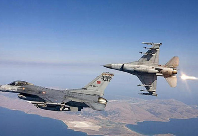 ВВС Турции нанесли удары по двум районам на севере Ирака