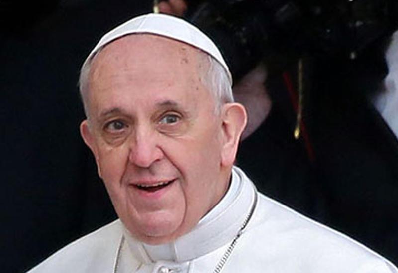 Ватикан выпустил марку, посвященную визиту Папы Римского в Азербайджан