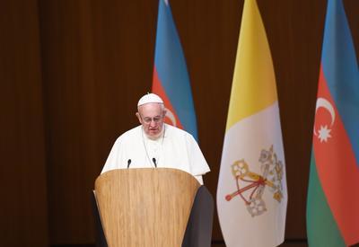 Папа Римский: Различные религиозные общины живут в мире и сотрудничестве в Азербайджане - ФОТО