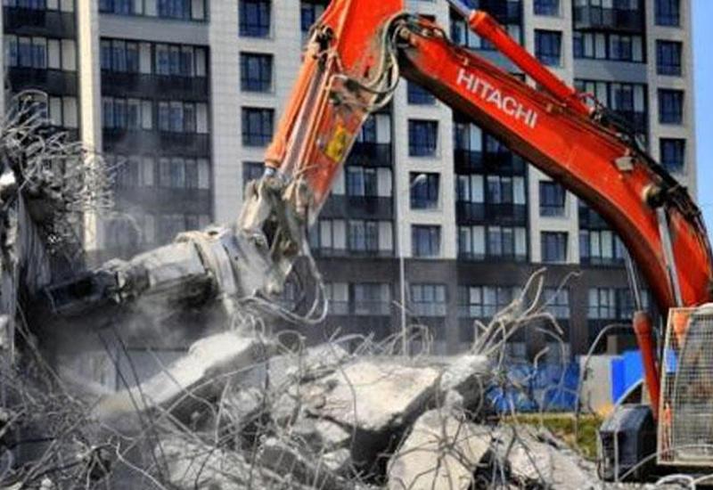 """Bakıdakı """"Stalinka"""" tipli binalar sökülür - Yerində yeni binalar tikiləcək <span class=""""color_red"""">- VİDEO</span>"""