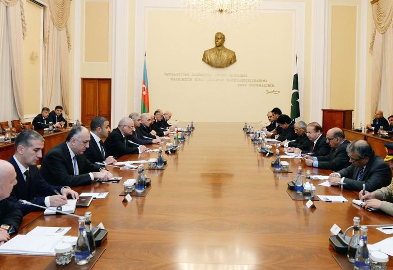 Премьер-министр Азербайджана встретился с пакистанским коллегой
