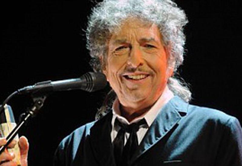 Шведская академия не смогла сообщить Бобу Дилану о Нобелевской премии