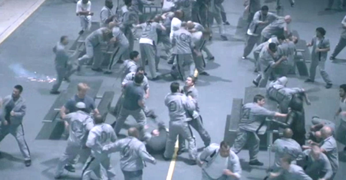 В тюрьме США во время столкновений погибли семь человек (ФОТО)