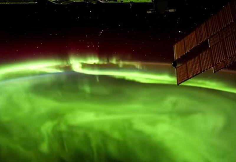 С борта МКС сняли сильное полярное сияние
