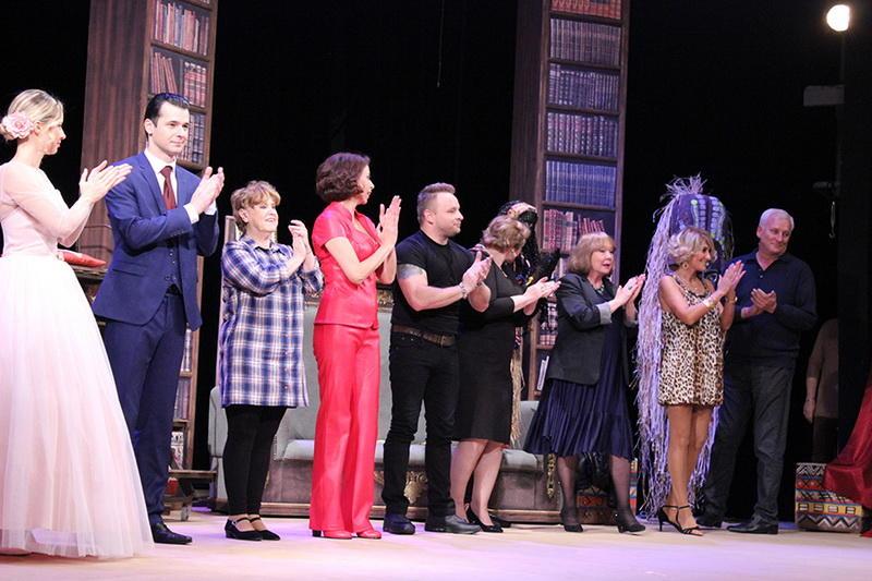 Премьера в Русской драме подарила зрителям невероятный вечер смеха