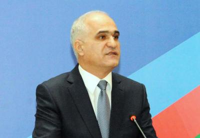 Азербайджанская делегация едет в Иран