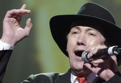 Скончался легендарный певец и композитор