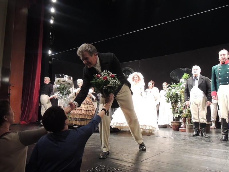 Ошеломительный успех легендарных российских актеров на сцене Русской драмы