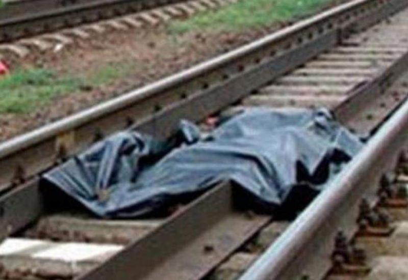 В Баку поезд сбил насмерть велосипедиста