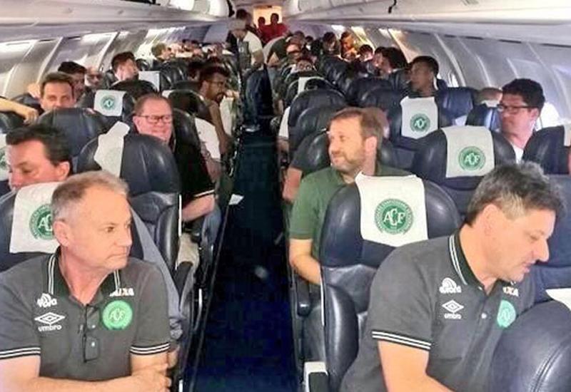 Перед катастрофой бразильские футболисты попали в объектив камеры