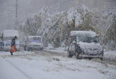 Сильный снегопад в Турции отрезал от внешнего мира около 900 сел