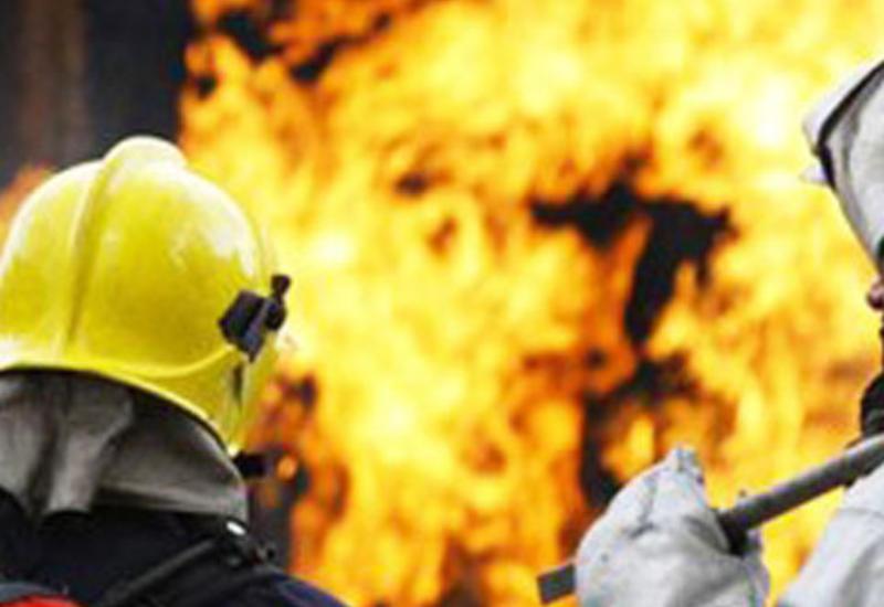 Сильный пожар в Шамкире, сгорели автомобили