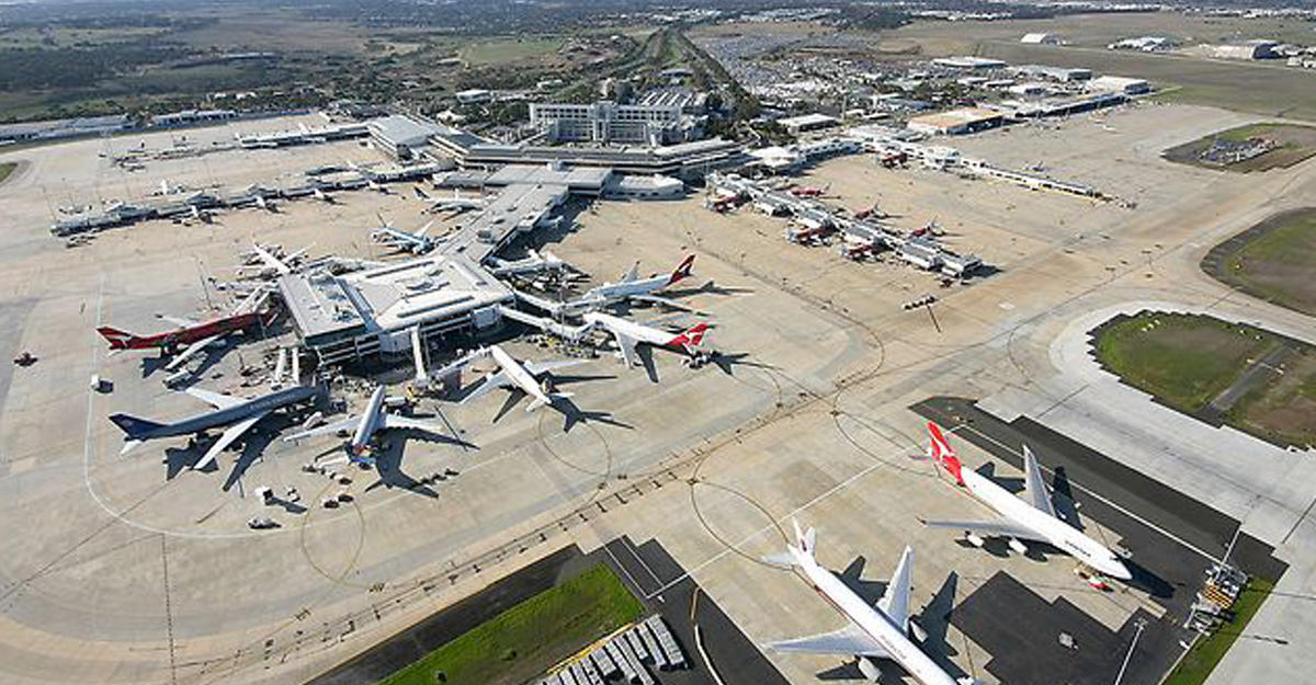 melbourne airport sits right - 1024×576
