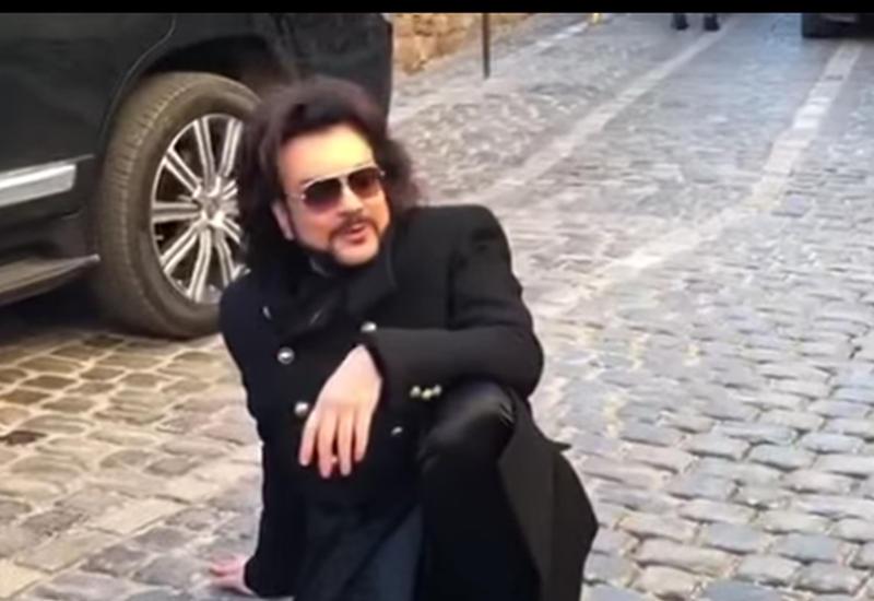 Филипп Киркоров прогулялся по Баку перед концертом