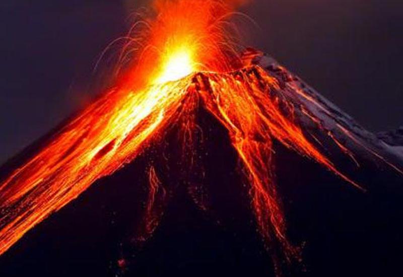 """Проснулся от землетрясения: вулкан Попокатепетль начал извергаться в Мексике <span class=""""color_red"""">- ВИДЕО</span>"""