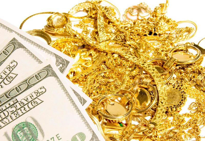 Из Азербайджана пытались вывезти $190 тысяч и 2 кг золота