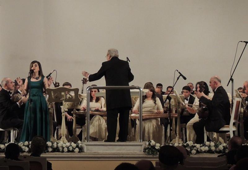 Оркестр народных инструментов имени Саида Рустамова отметил юбилей в Филармонии