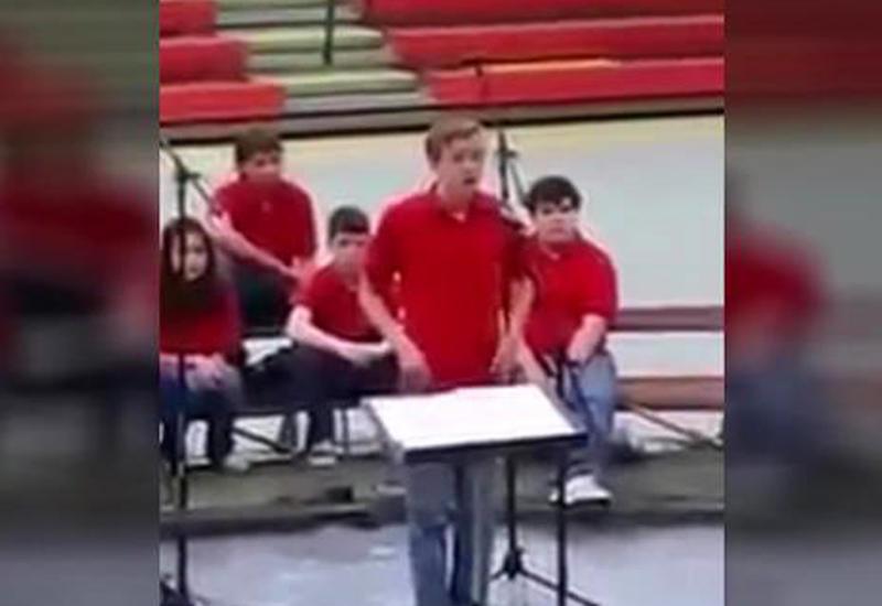 Скорбящая мать получила на Рождество видео с последней песней сына