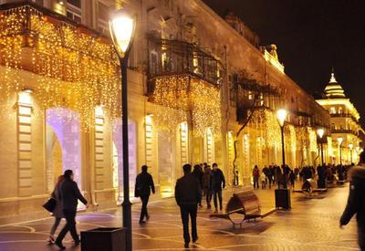 "Сияющий Баку: столица в ожидании праздника <span class=""color_red"">- ФОТОСЕССИЯ</span>"