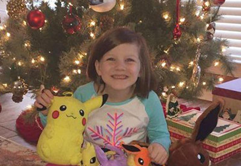 Девочка «взломала» мамин телефон, чтобы купить себе подарков на Рождество