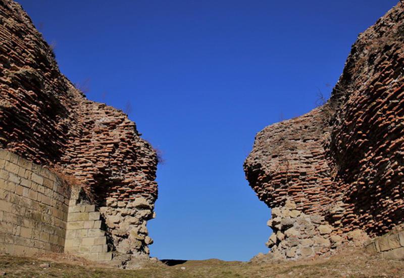 Уникальная крепость Габалы продолжает будоражить ученых