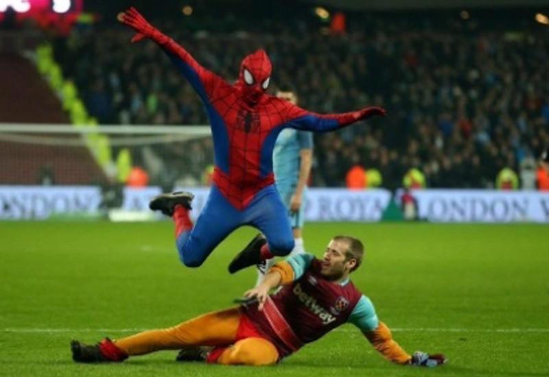 Человек-паук попытался сорвать матч Кубка Британии