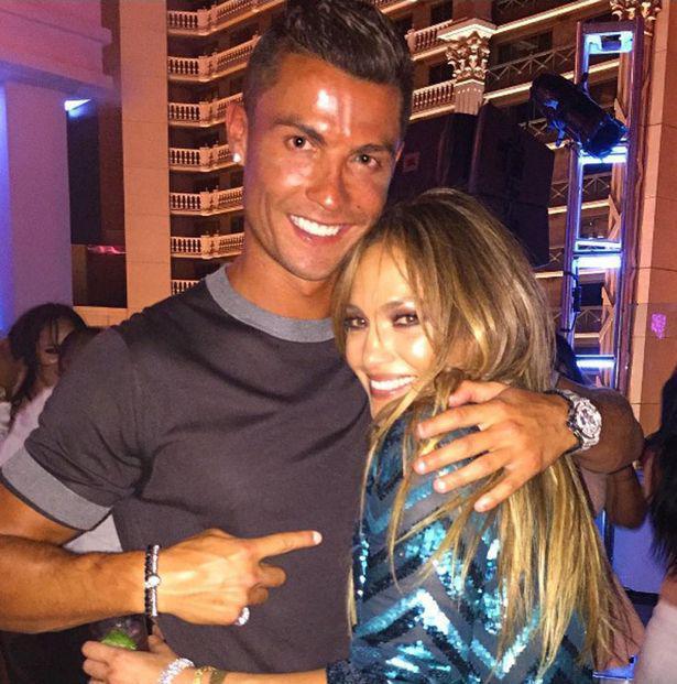 Дженнифер Лопес подарила сестре встречу с Роналду