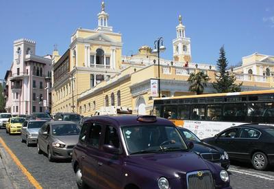 Брусчатку по улице Ниязи в Баку вновь заасфальтируют