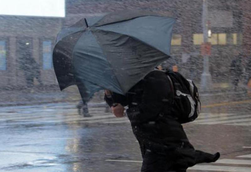 В Баку будет ветрено и дождливо
