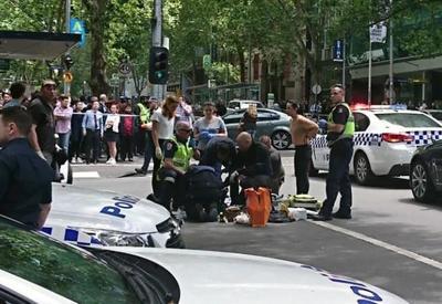 """В Мельбурне автомобиль врезался в толпу <span class=""""color_red"""">- ОБНОВЛЕНО - ФОТО - ВИДЕО</span>"""
