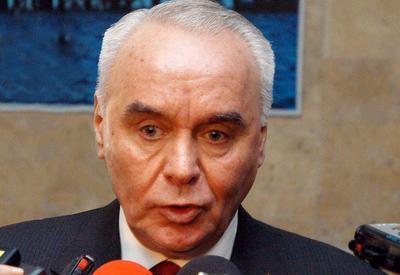 Махмуд Мамедгулиев провел переговоры с еврокомиссаром