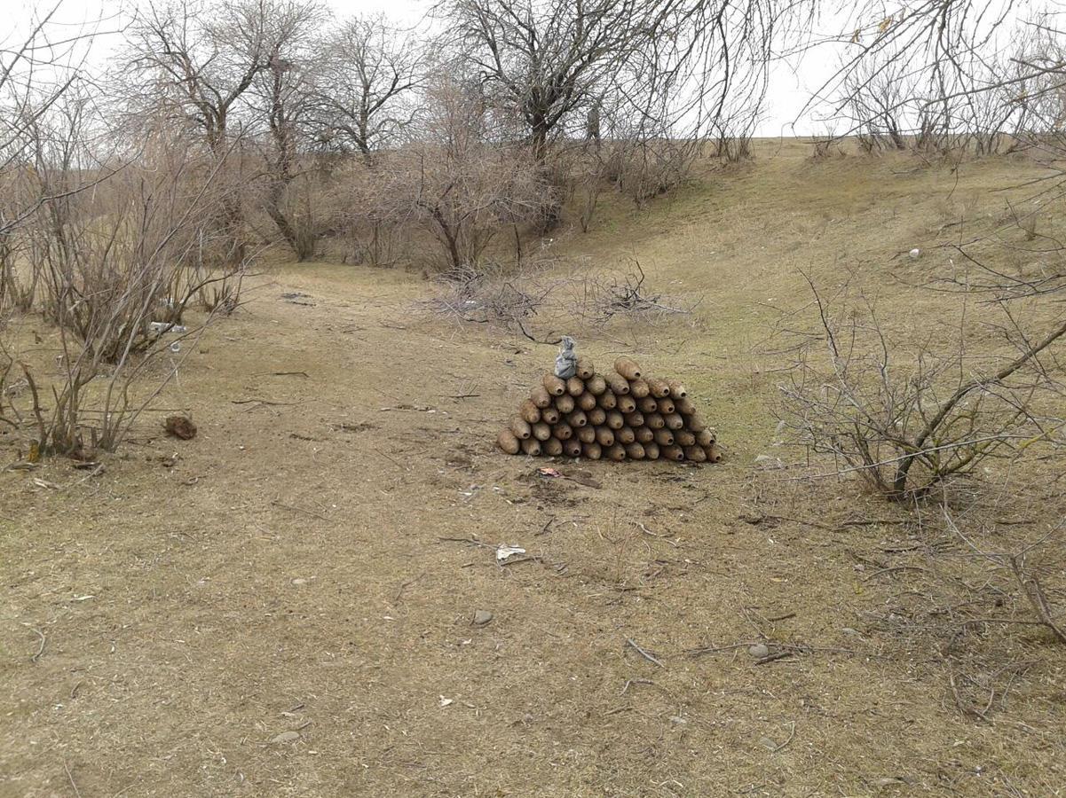 В Агстафе обнаружены десятки неразорвавшихся снарядов