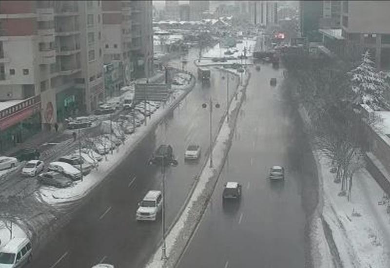 Внимаю водителей и пешеходов в Баку