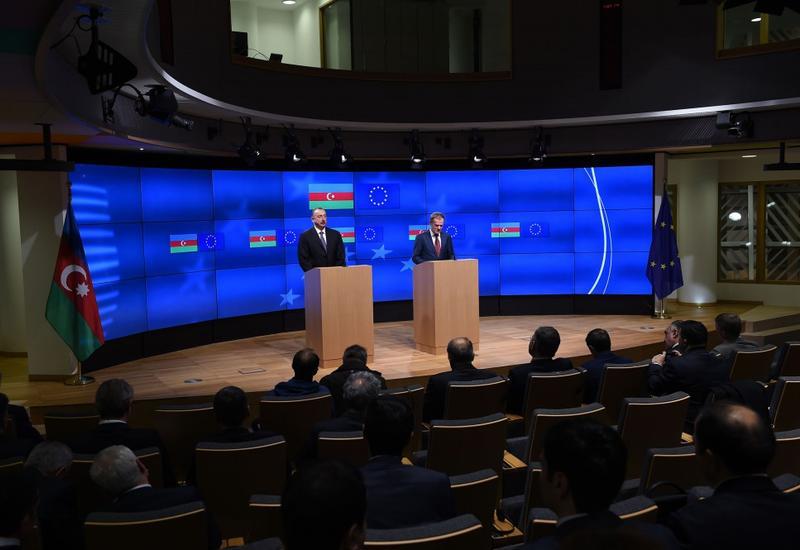 Дональд Туск: ЕС готов сотрудничать с Азербайджаном в рамках модернизации и диверсификации экономики