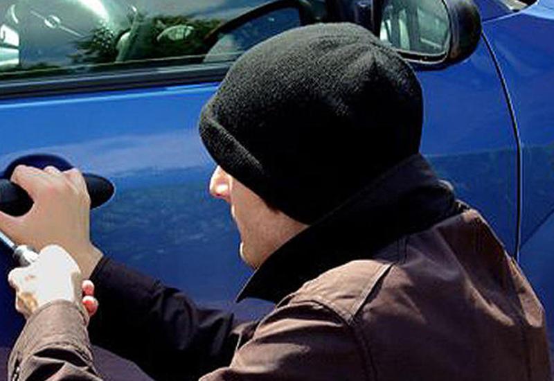В Хачмазе задержаны подростки, угнавшие машину