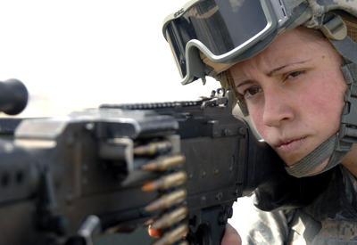 В Грузии предложили призывать женщин в армию