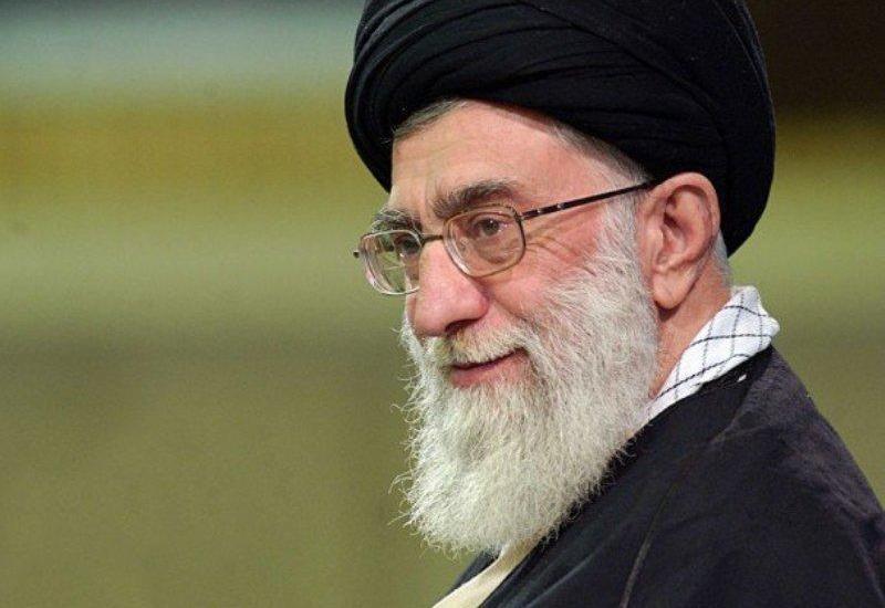 Хаменеи пригрозил США: Иран разрежет ее на мелкие кусочки