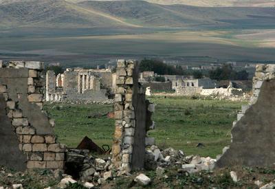 Баку сделал армянам Карабаха выгодное предложение - в Армении истерика