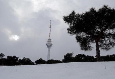 В Баку выпало 24 см снега