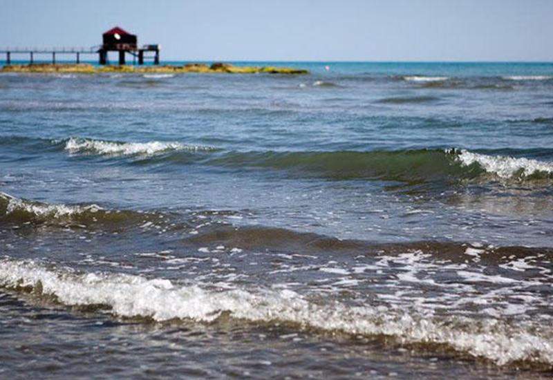 К берегу Каспия прибило труп нефтяника, исчезнувшего 15 декабря