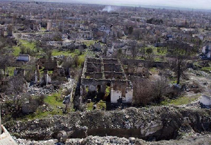 Пойдет ли Саргсян до конца в вопросе возврата Баку территорий?