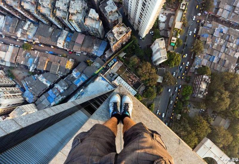 Немецкий турист выжил после прыжка с девятого этажа