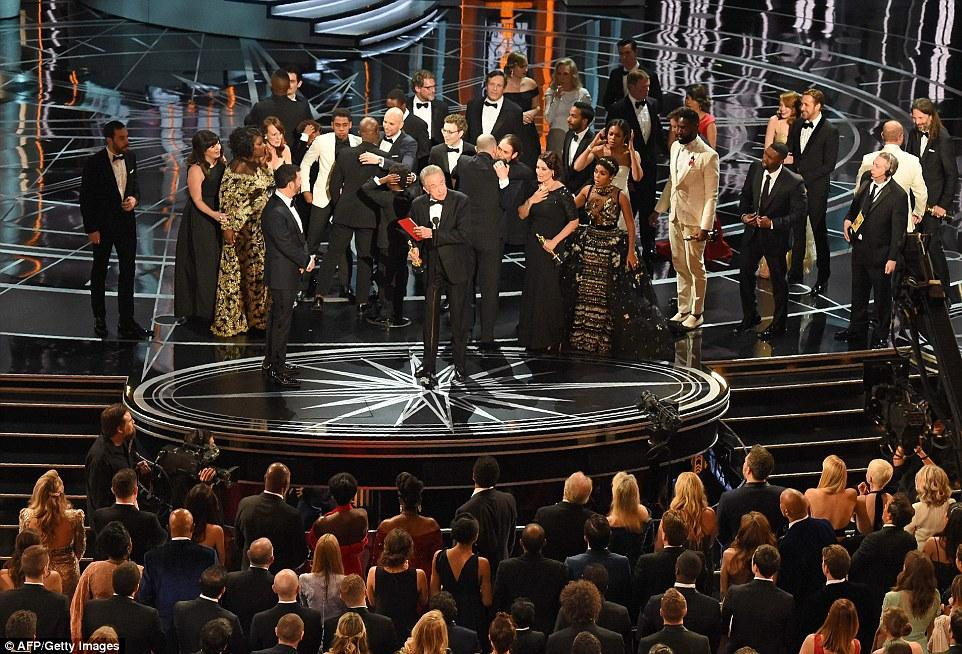 """Курьез на """"Оскаре 2017"""" и полный список победителей"""