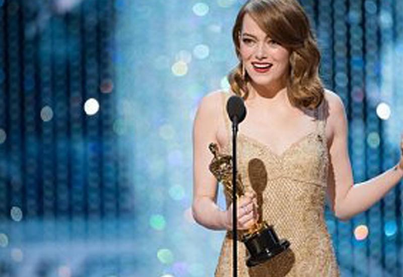 """Самые красивые наряды на церемонии вручения премии """"Оскар"""""""