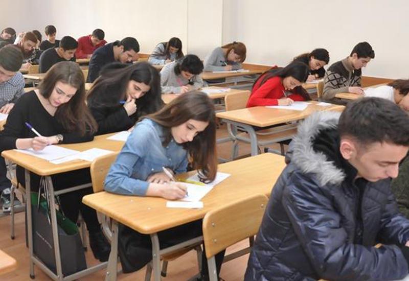В Азербайджане 37 тысяч учащихся сдают выпускные экзамены
