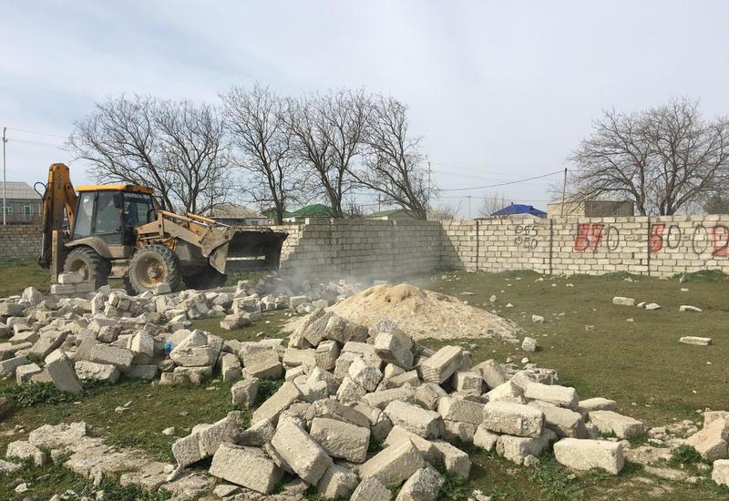 Предотвращен захват госземель в Баку